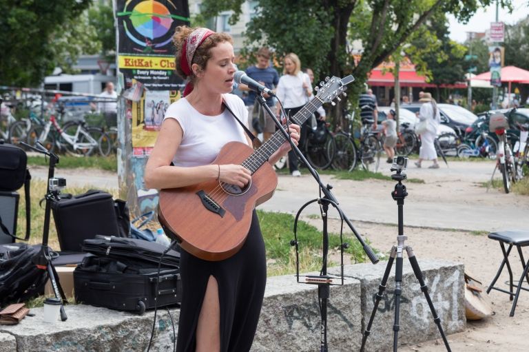 Georgie Fisher, Live at Mauer Park